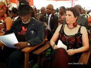 120128 V Day De la douleur en pouvoir Gouverneur Cishambo et Eve Ensler